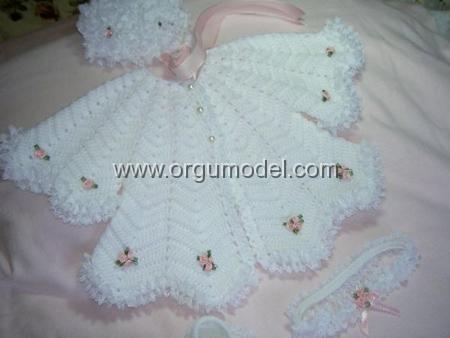 Beyaz Zarif Bebek Yeleği