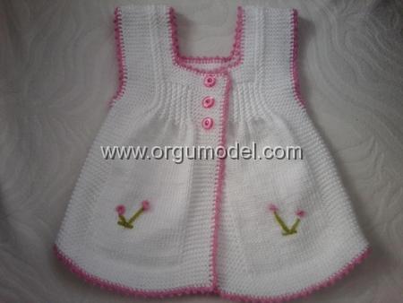 Elbise-Şeklinde-Bebek-Yeleği