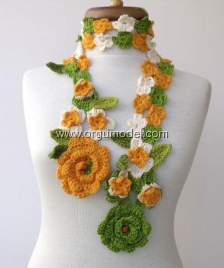 Rengarenk-Çiçekli-Fular-Modeli