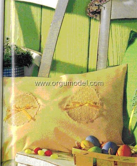 Sarı-Dantel-Yastık