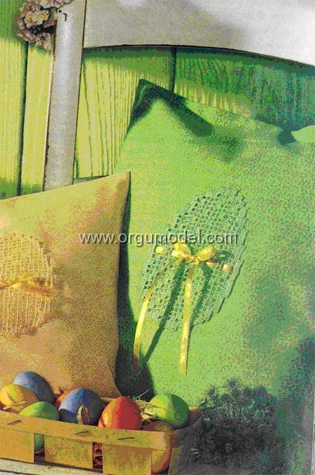 açık-yeşil-dantel-yastık