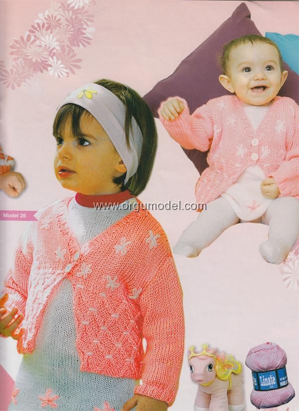 Beyaz-Cicekli-Kız-Bebek-Hirkasi