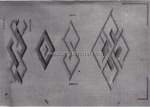 Düz İğne Baklava Deseni Dört İplik Sayarak Üç Ton Mavi ve Üç Ton Sarı ile İşlenir