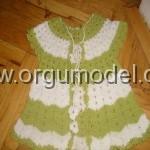 Yeşil Beyaz Örgü Bebek Yeleği.